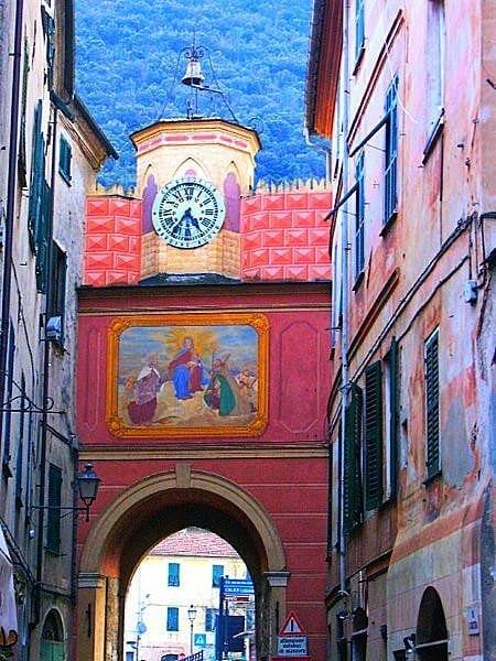 Frescoed-Gate-Finale-Ligure