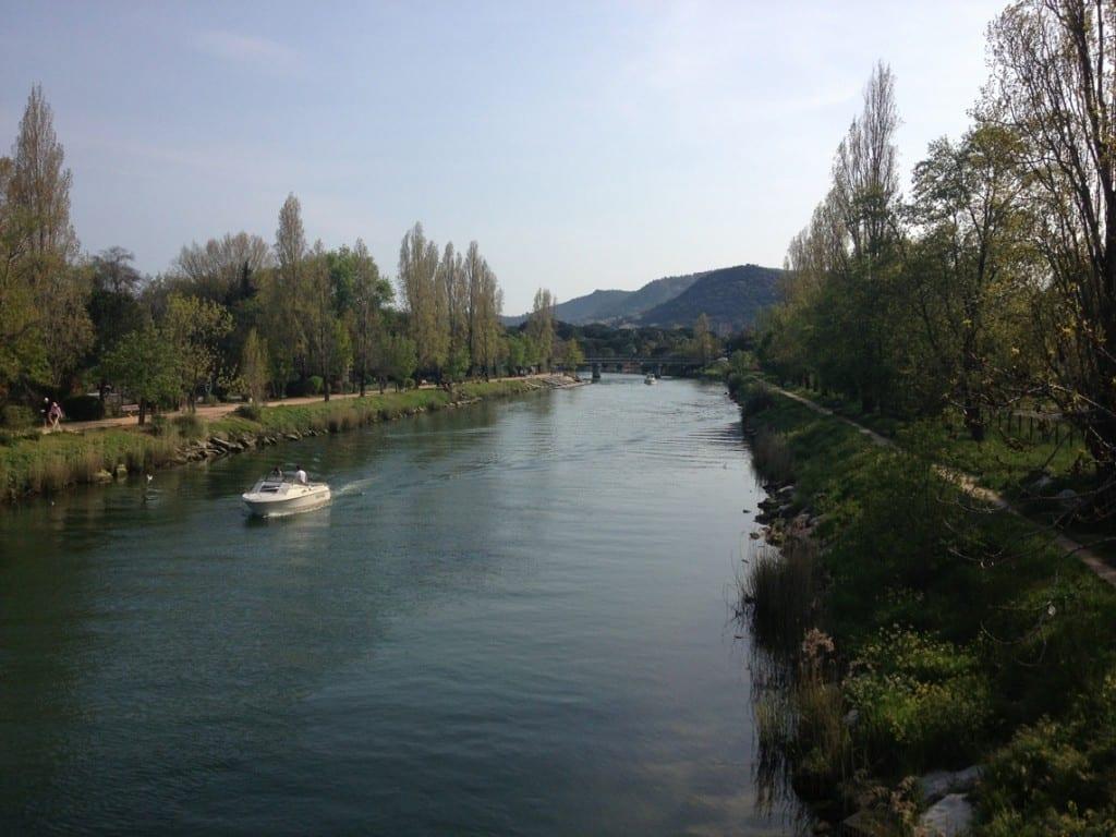 River walk to the promenade