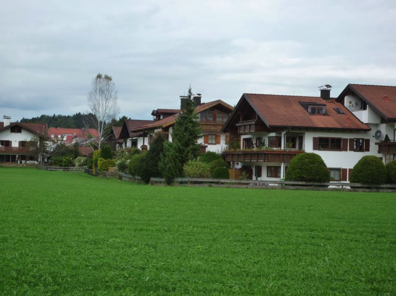 On-cycle-route-to-Fussen21