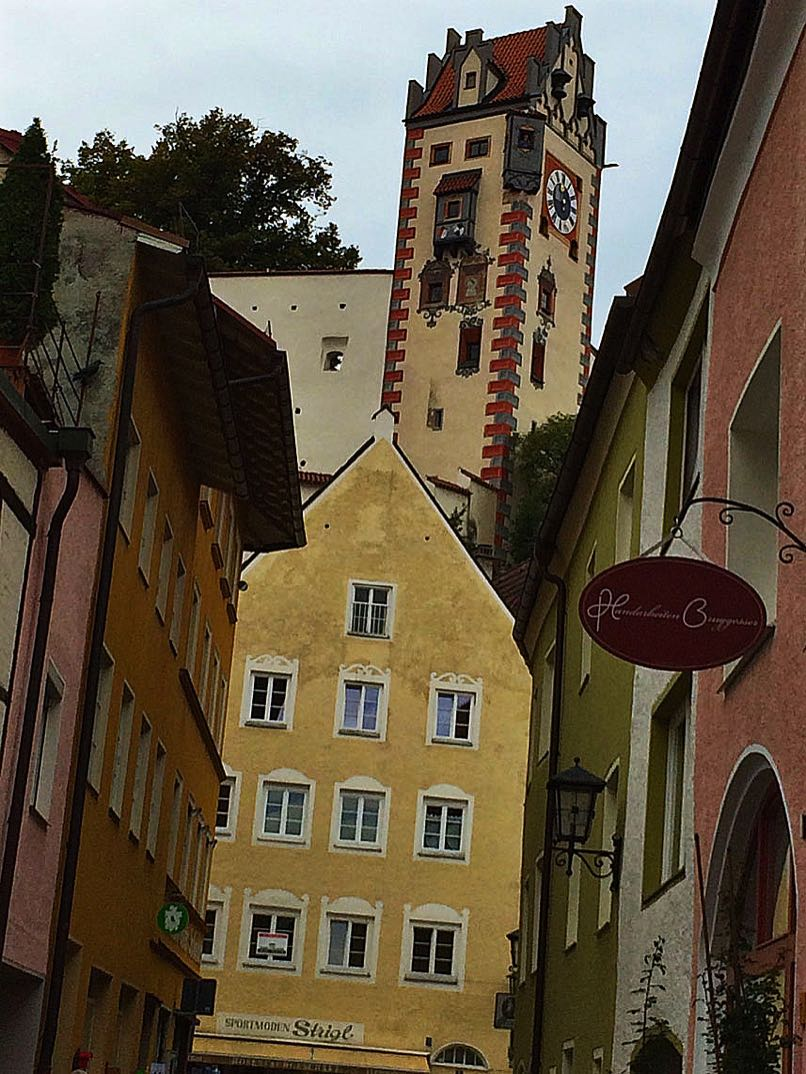 Pedestrian-centre-with-the-towers-of-the-castle-and-monastery.