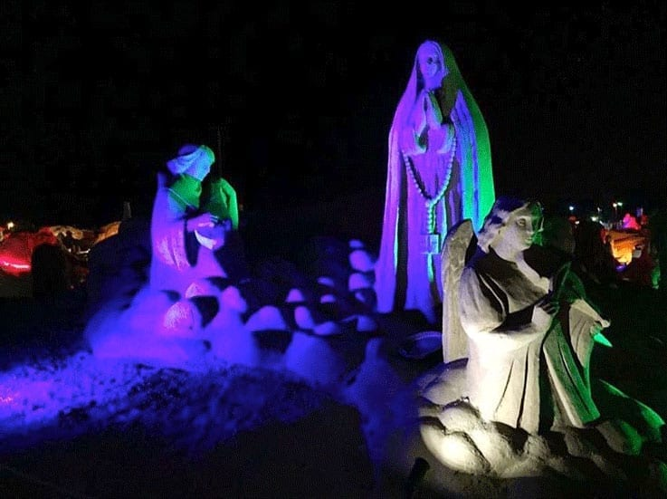 Illuminated-Fiesa-SandSculptures