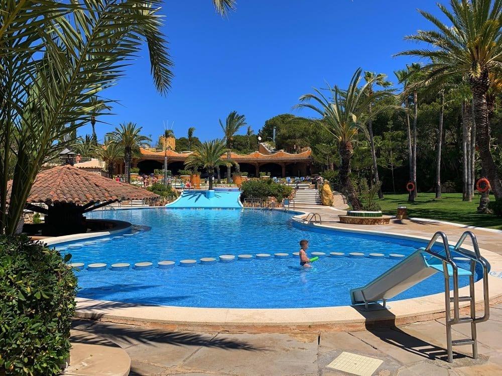 Camping-Bara-Swimming-Pool