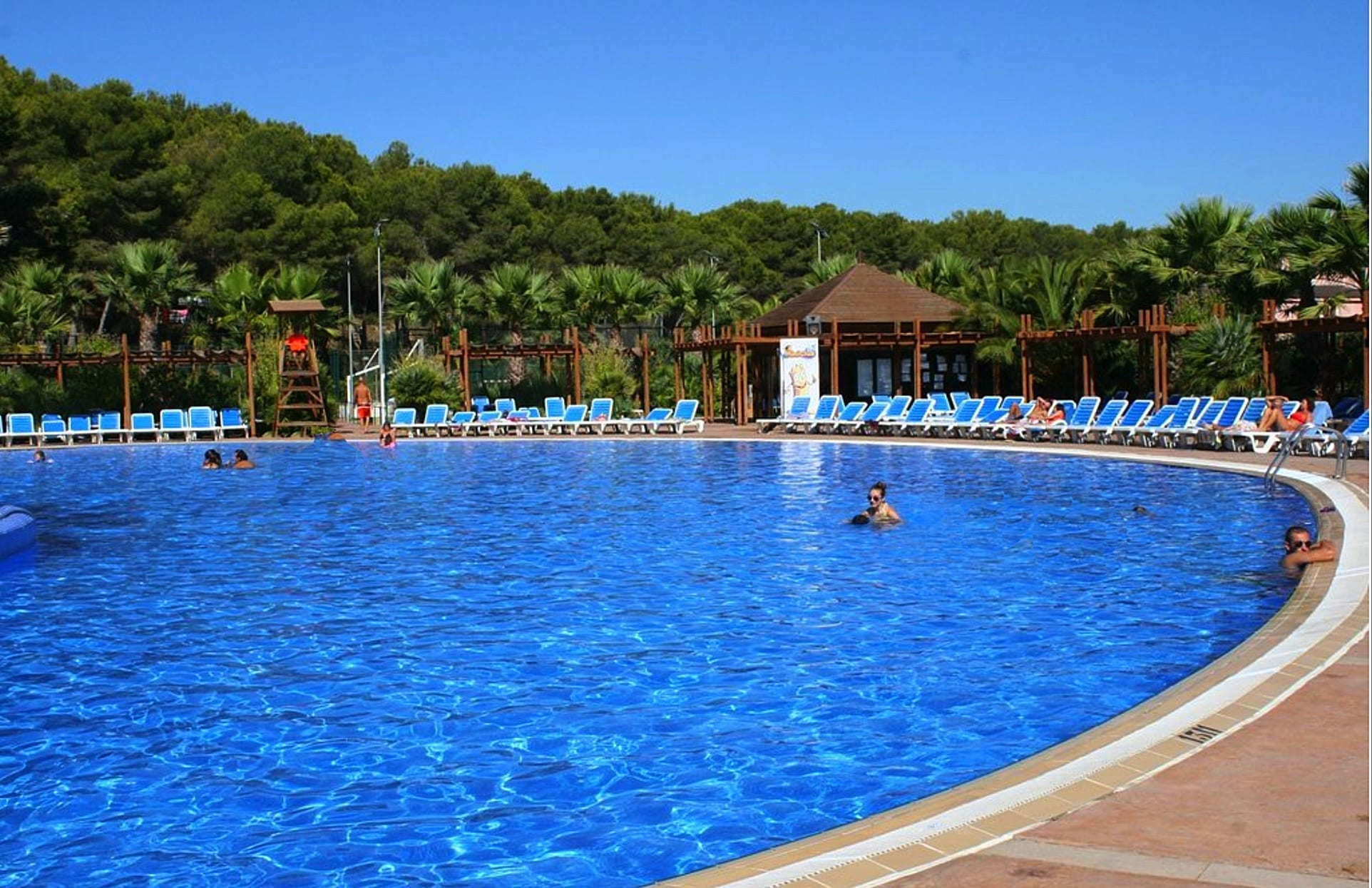 Torre-de-la-mar-swimming-pool