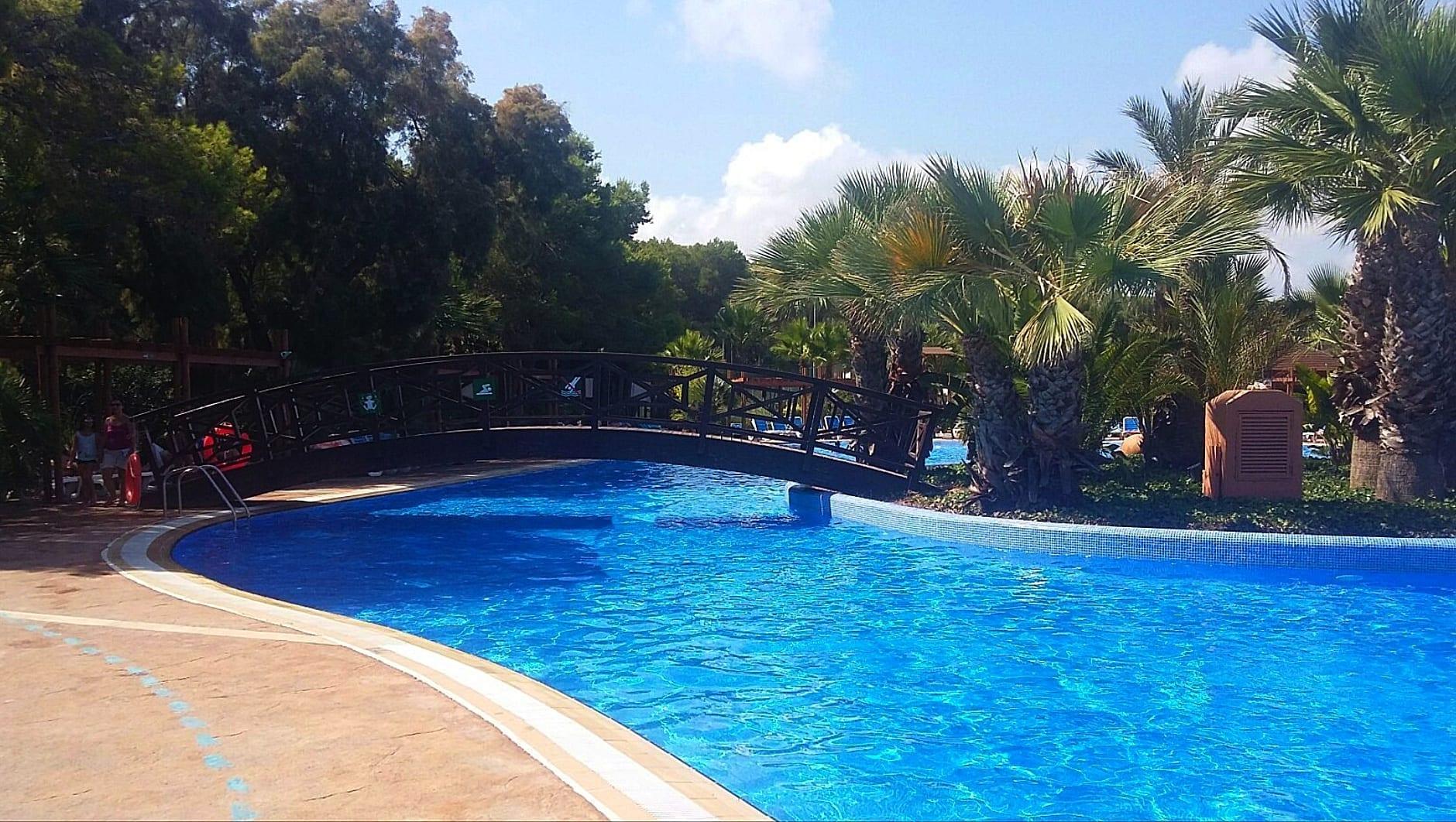Torre-de-la-mar-swimming-pool