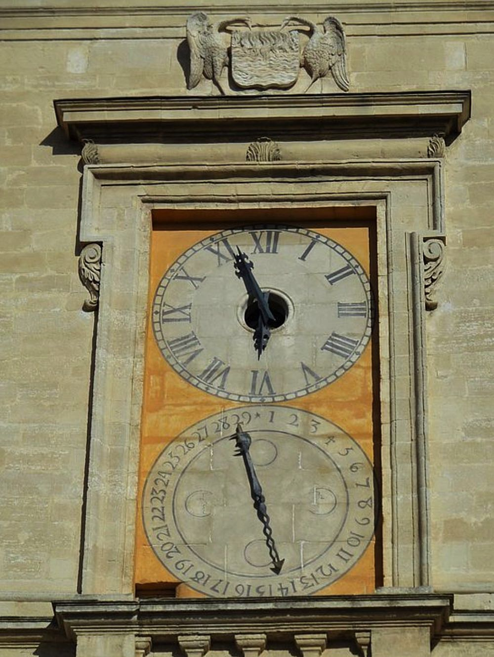 NOTRE-DAME-DES-ANGES clock